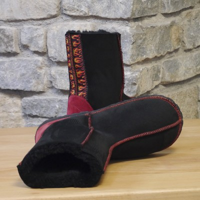 Black sheepskin with embroidered flame braid-02