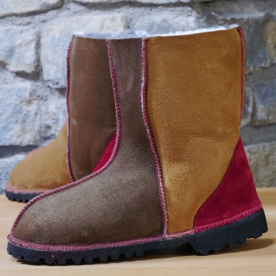 Sheepskin-Boots-in-Bark-&-Spice-