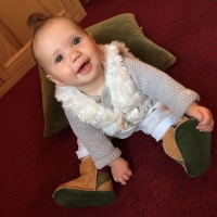 Baby-sheepskin-boots-in-ginger-&-green-sm