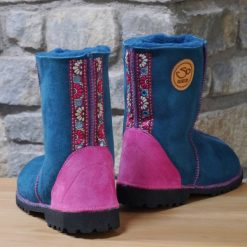 Traditional Boots in Ocean Sheepskin Size 5