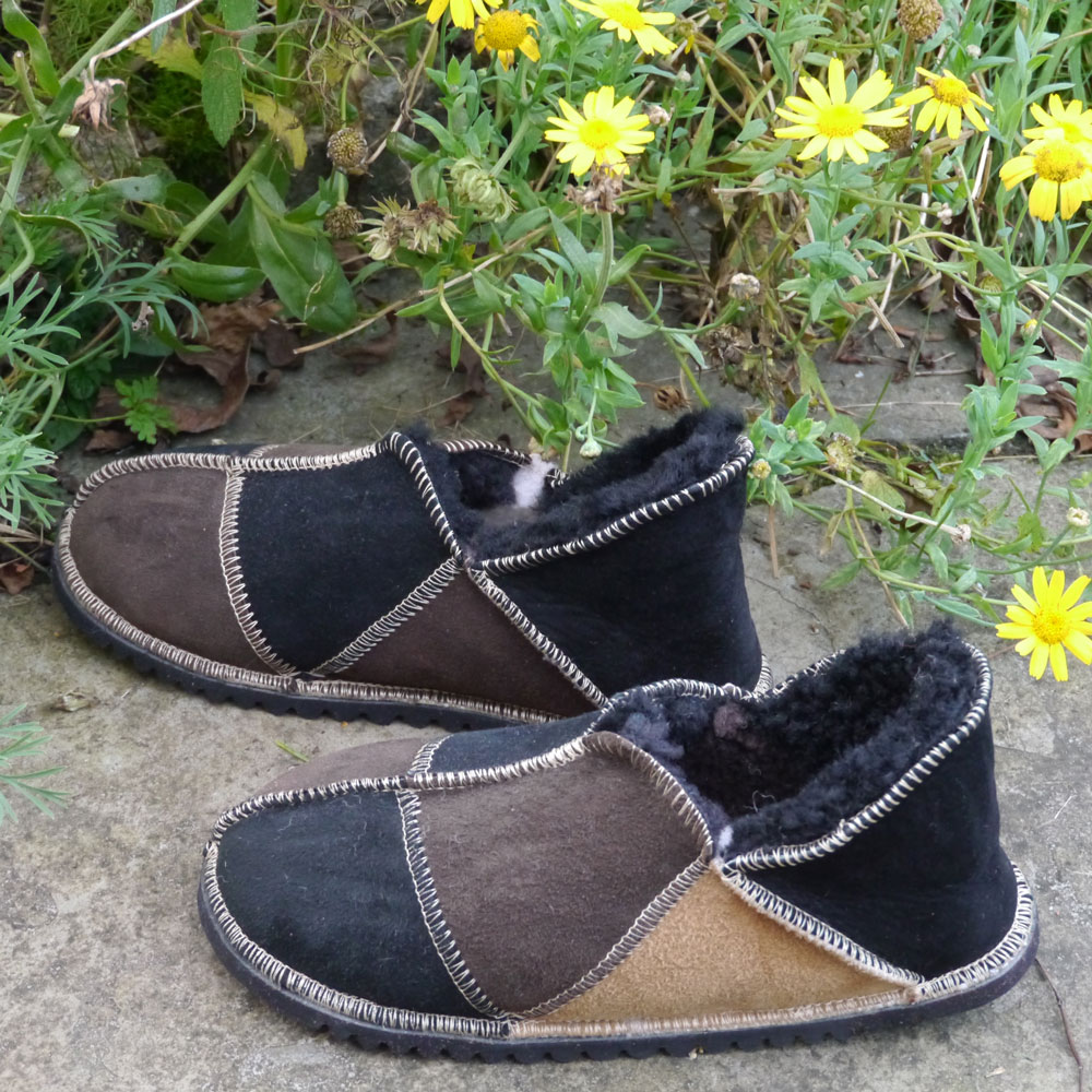 Sheepskin Slippers in Black Mocca & Spice
