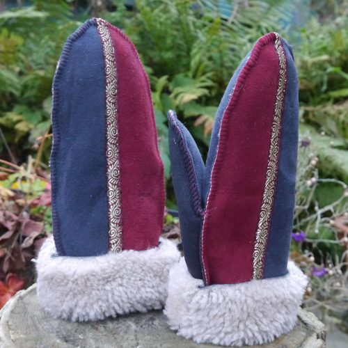Sheepskin Mittens in Slatre & Wine
