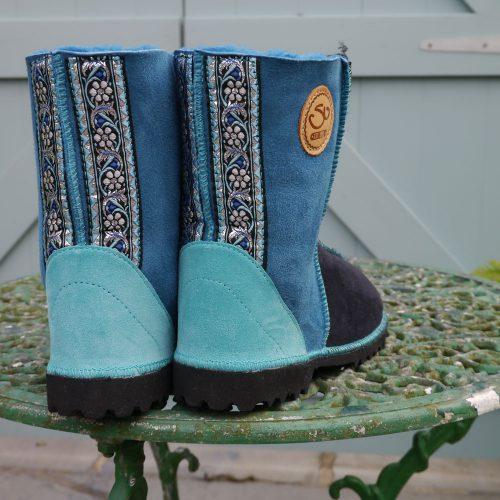 Sheepskin Boots in Indigo & Ocean