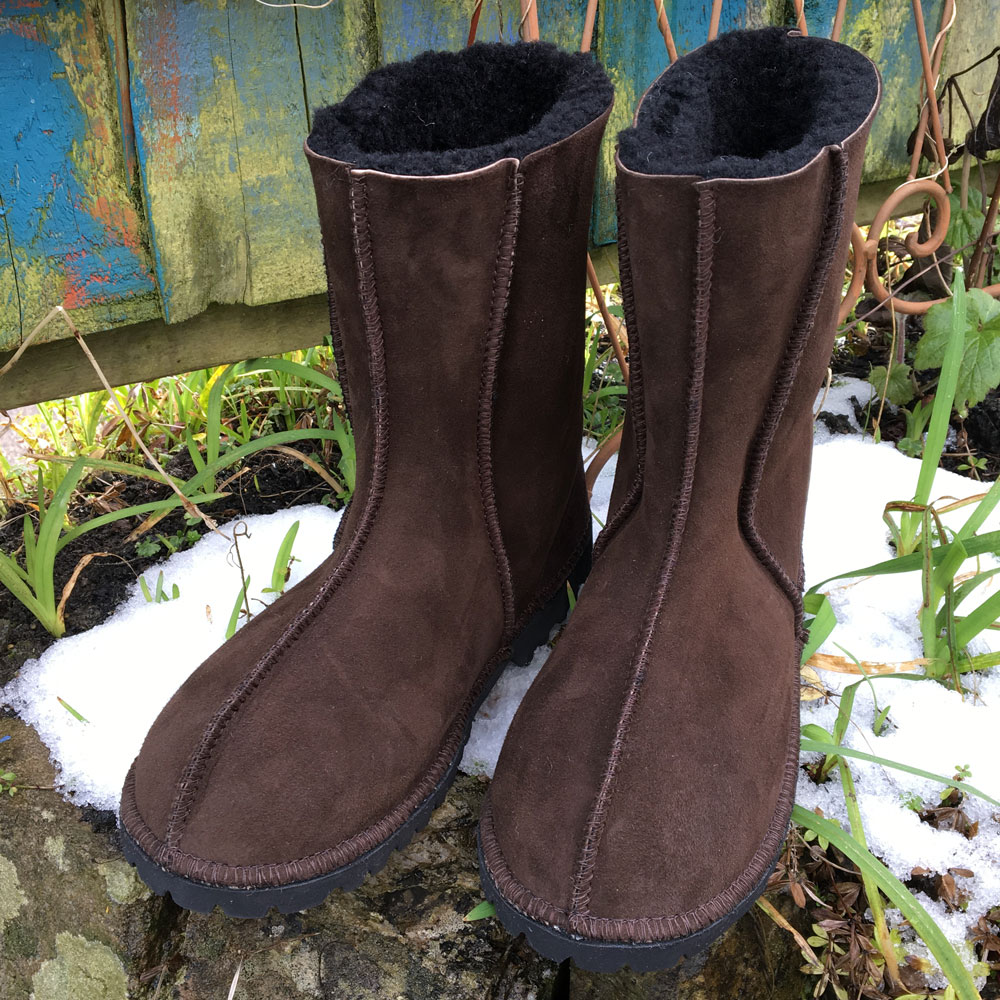 Sheepskin Boots in Mocca