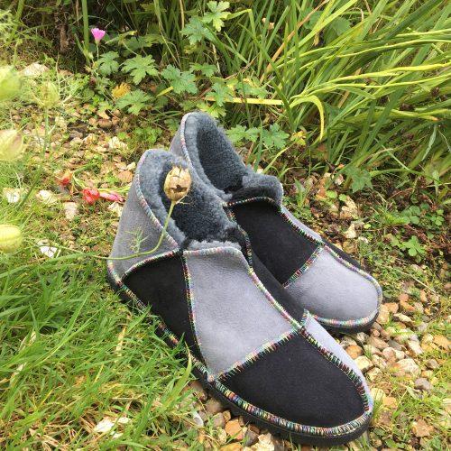 Men's Sheepskin Slippers in Black and Grey