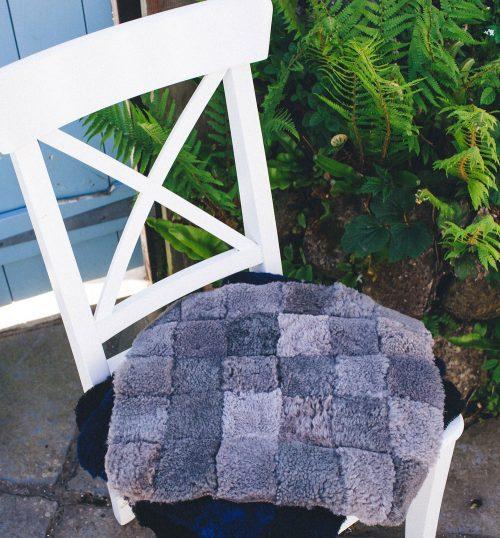 sheepskin sit-upon in grey